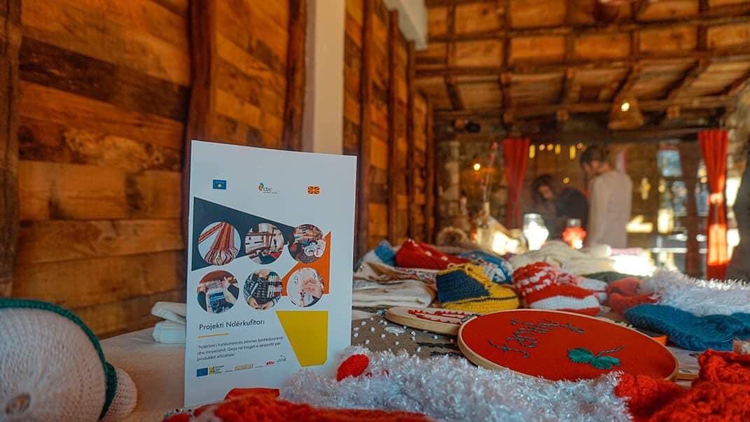 Sot, në Gjilan, ATRC organizoi panairin e produkteve artizanale, të krijuara në kuadër të projektit ndërkufitar Kosovë-Maqedoni e Veriu